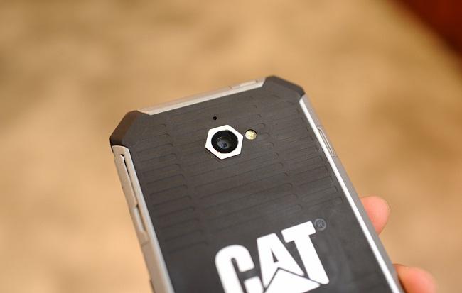 Camera CAT S50
