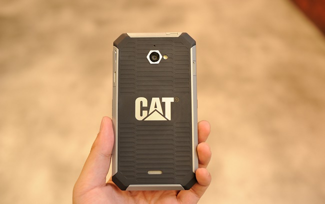 Mặt lưng CAT S50