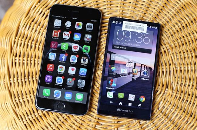 iPhone 6 Plus vs Sharp Aquos SH-01G