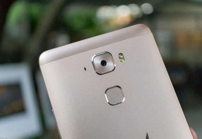 Camera W-Mobile S1