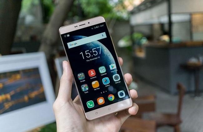 W-Mobile S1 đánh giá màn hình