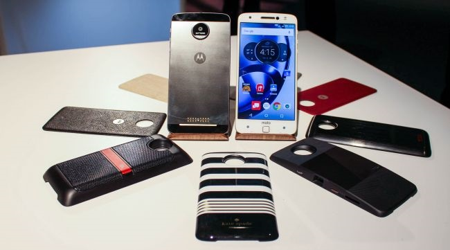 Motorola Moto Z cũ được trang bị thêm bộ phụ kiện Moto Mods độc đáo