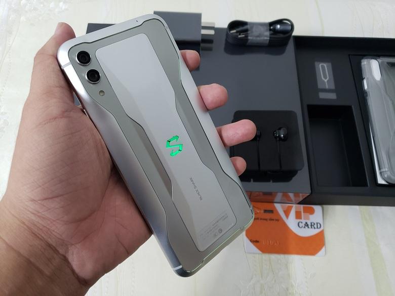 Thiết kế Xiaomi Black Shark 2 12GB - 256GB