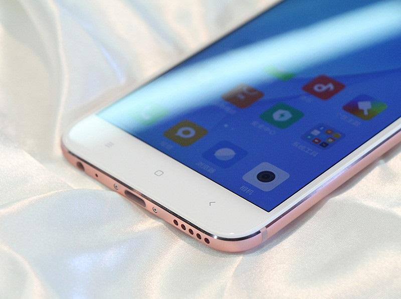 Cạnh dưới Xiaomi Mi 5X