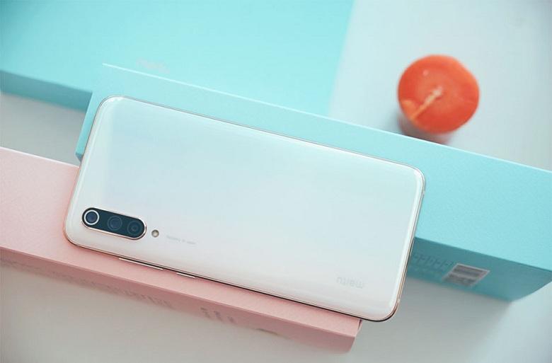Mi CC9 Meitu Edition giá rẻ vẫn được trang bị hệ thống 3 camera
