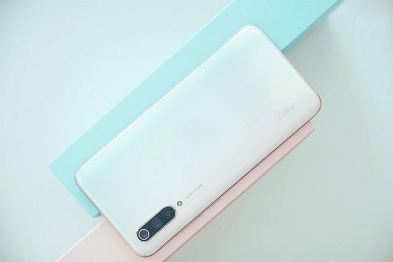 Xiaomi Mi CC9 Meitu Edition có thiết kế bắt mắt