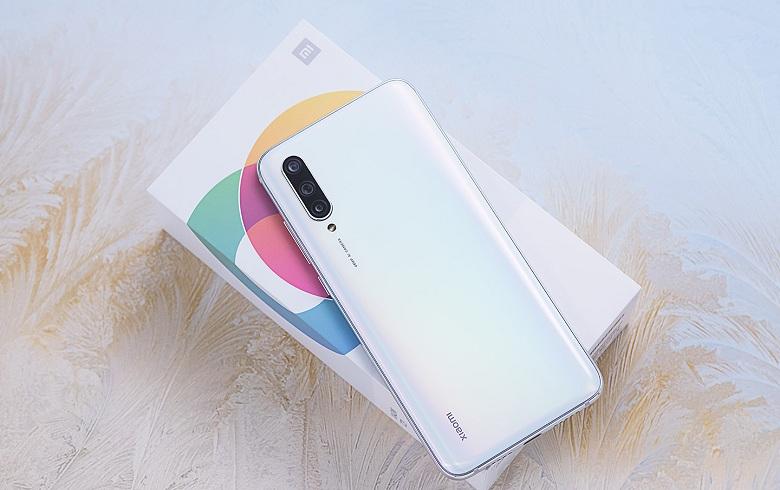 Xiaomi Mi CC9 sở hữu cấu hình và thiết kế ấn tượng, chip khủng, RAM 6GB