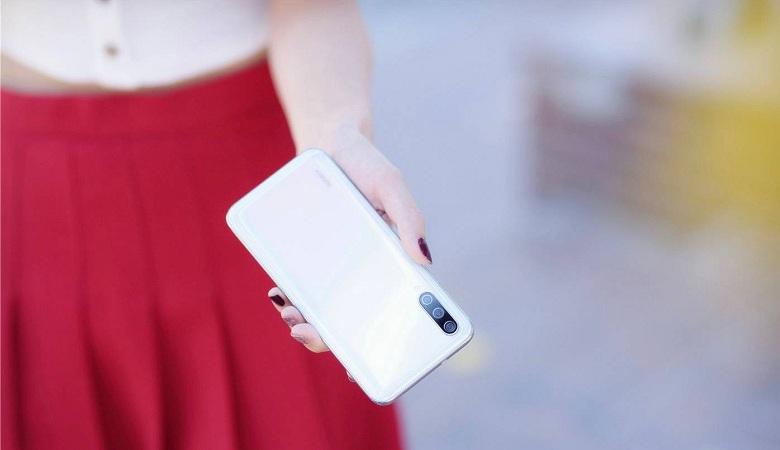 trên tay Xiaomi Mi CC9 mới fullbox nguyên seal có tiếng Việt