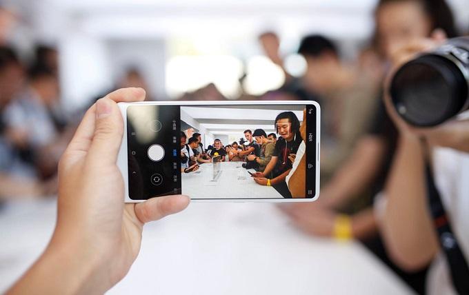 Giao diện chụp ảnh của Xiaomi Mi Mix 2