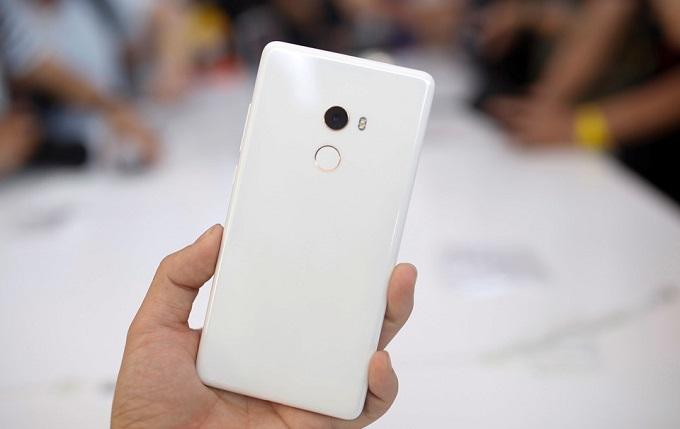 Cảm biến vân tay của Xiaomi Mi Mix 2