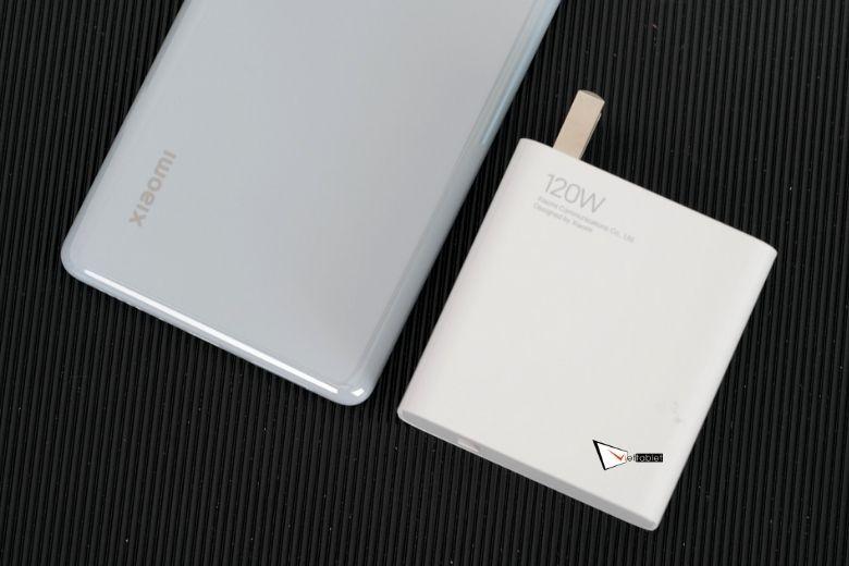 Xiaomi Mi Mix 4 được tặng kèm sạc nhanh 120W