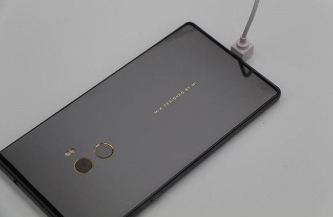 Xiaomi Mi Mix tạo nên xu hướng mới về mặt thiết kế
