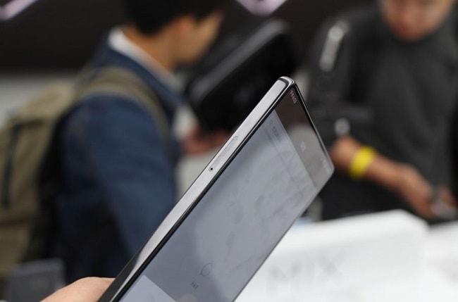 Xiaomi Mi Mix hình thực tế