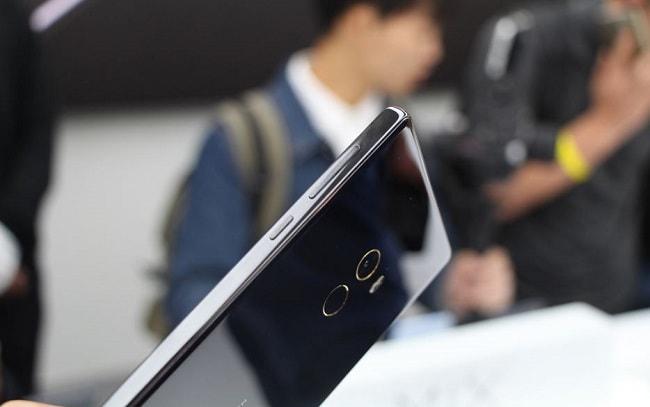 Xiaomi Mi Mix thiết kế lưng