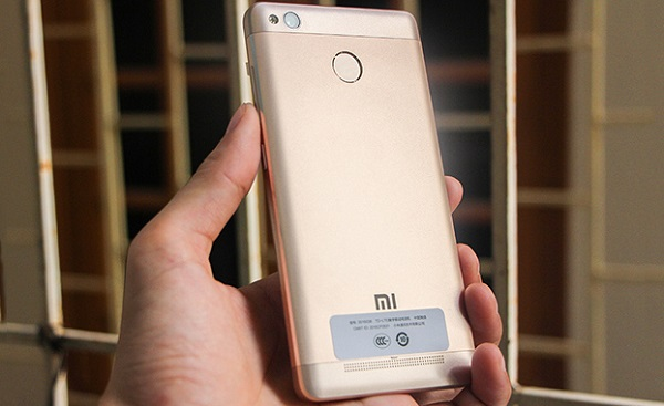 Xiaomi Redmi 3X vẫn có thiết kế đơn giản như những sản phẩm tiền nhiệm