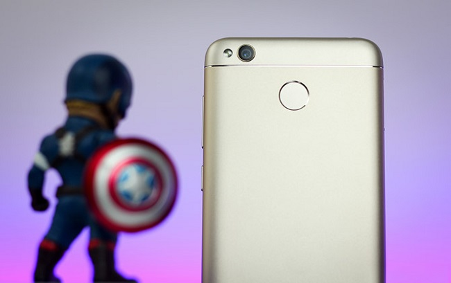 Thiết kế mặt lưng Xiaomi Redmi 4X