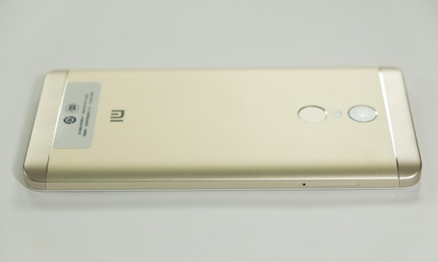 Góc cạnh Xiaomi Redmi Note 4X
