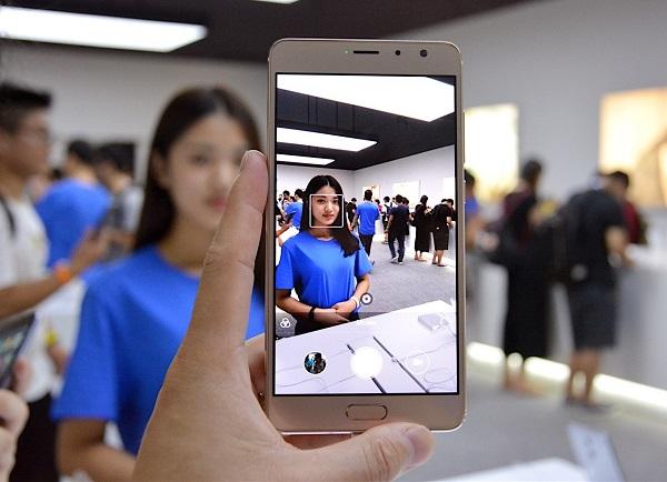 Giao diện chụp ảnh của điện thoại Xiaomi Redmi Pro