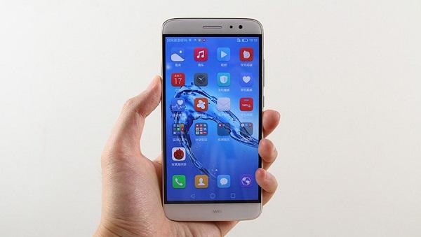 Các góc cạnh của Huawei G9 Plus được bo cong nhẹ tạo cảm giác thoải mái trên tay