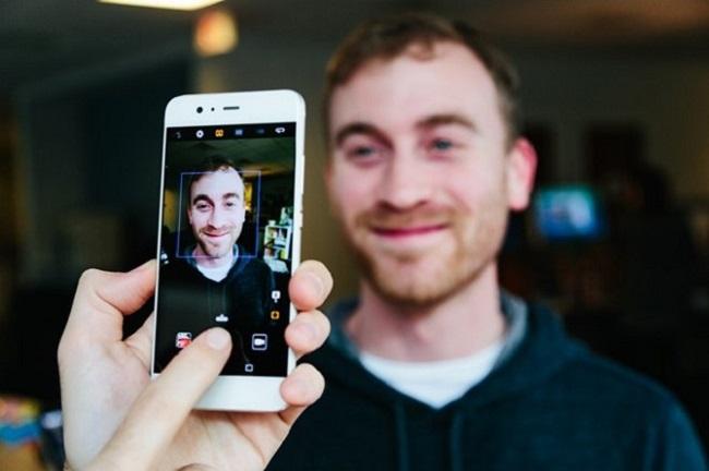 Giao diện chụp ảnh của Huawei P10