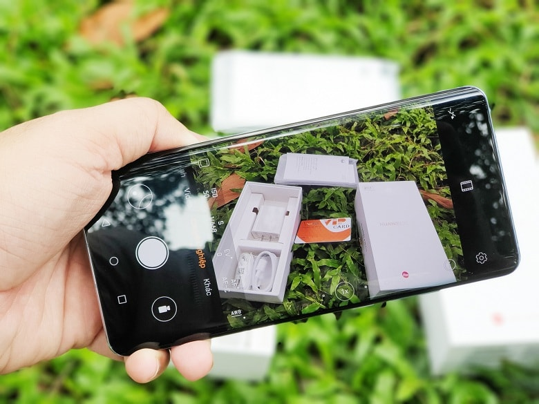 chụp ảnh trên Huawei P30 Pro công ty
