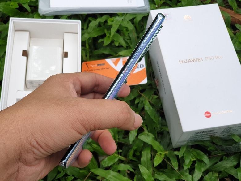 kích thước của Huawei P30 Pro chính hãng