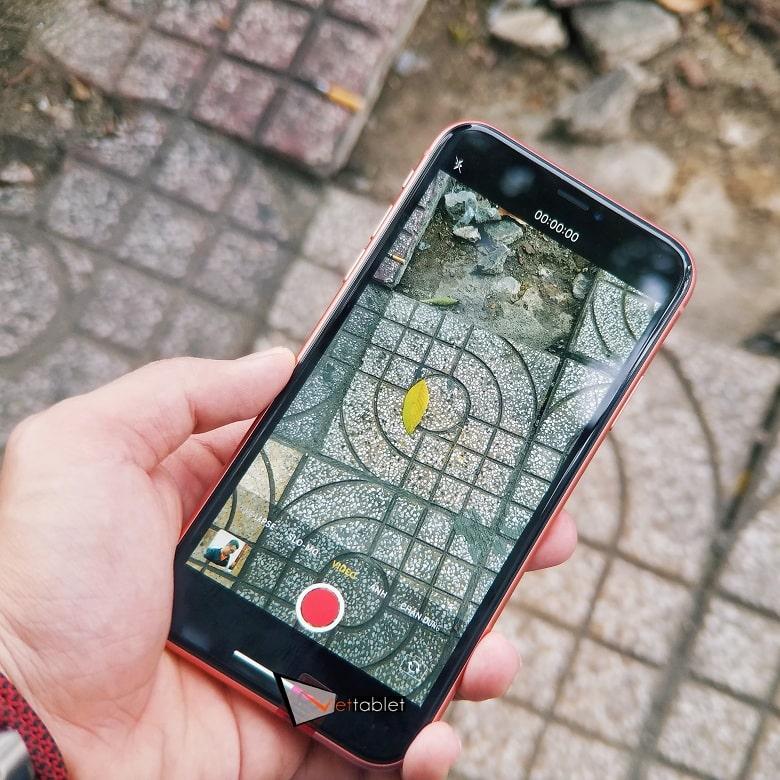 chụp ảnh iPhone XR Chưa Active Trôi Bảo Hành
