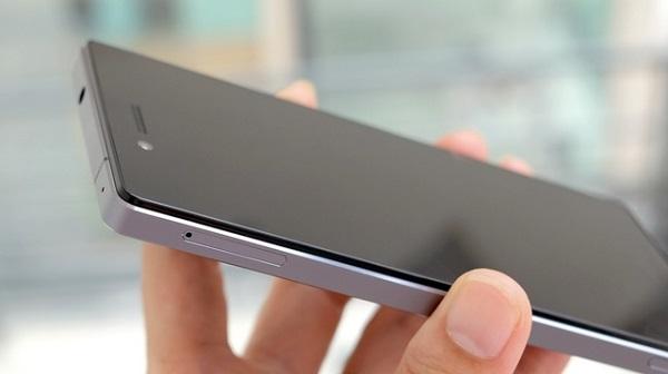 Lenovo Vibe Shot hỗ trợ 2 SIM 2 sóng