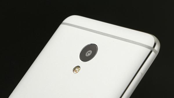 Điện thoại Meizu M3E hỗ trợ quay phim Full HD