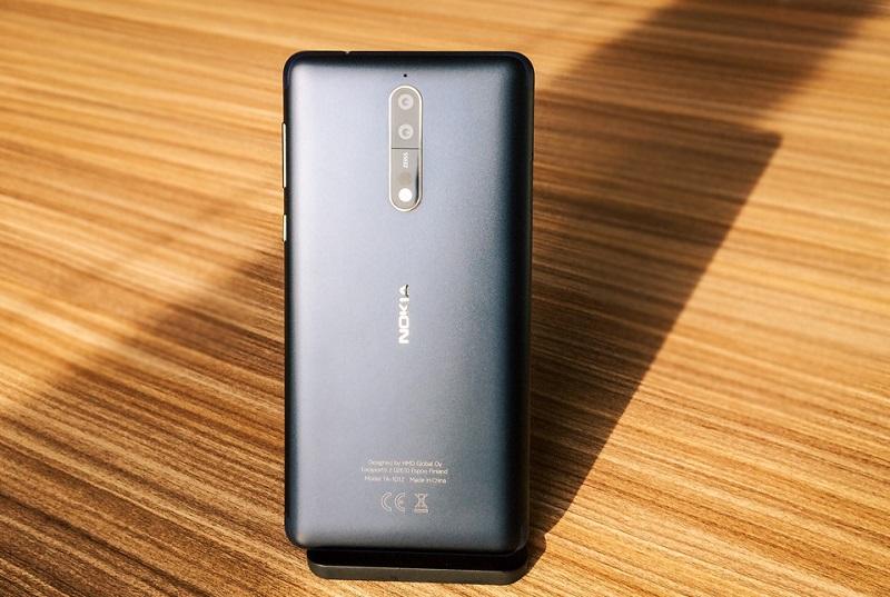 Thiết kế Nokia 8