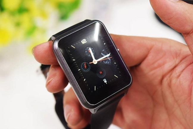 Đồng hồ thông minh Luna TG-W500 sở hữu thiết kế sang trọng và lịch lãm