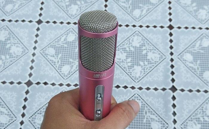 Microphone trên Micro TUXUN K068 giúp thu âm thanh tốt giảm tiếng ồn thông minh
