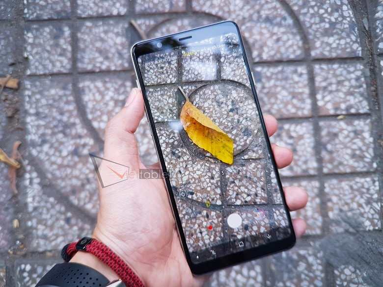 Chụp thử Samsung Galaxy A8 Star (Công Ty)