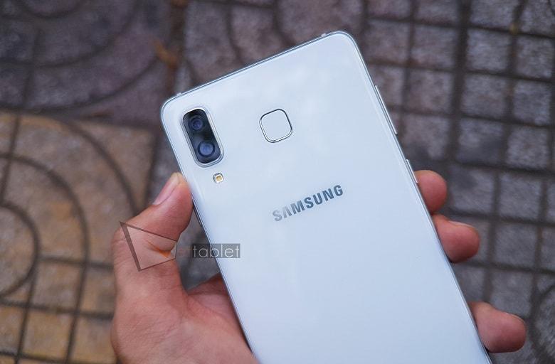 Cụm camera kép trên Galaxy A8 Star (Công Ty)