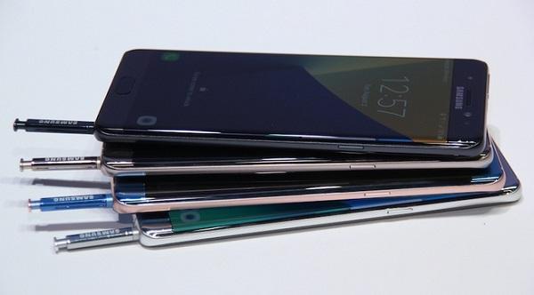 Samsung Note 7 refurbished chính hãng xách tay có 4 màu Blue Coral, Gold Platinum, Silver Titanium, Black Onyx