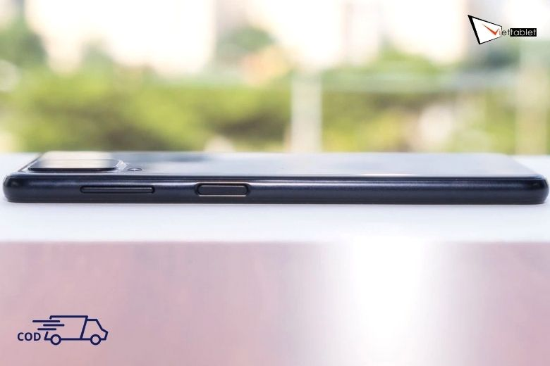 Samsung Galaxy A22 cạnh