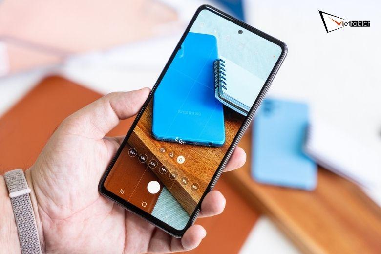 Màn hình Samsung Galaxy A72 4G (8GB - 256GB)