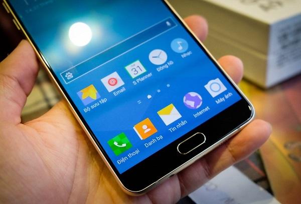 Phablet Samsung Galaxy A9 có màn hình Full HD