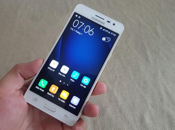 Samsung Galaxy J3 Pro chính hãng chạy Android v5.1 (Lollipop) khi xuất xưởng
