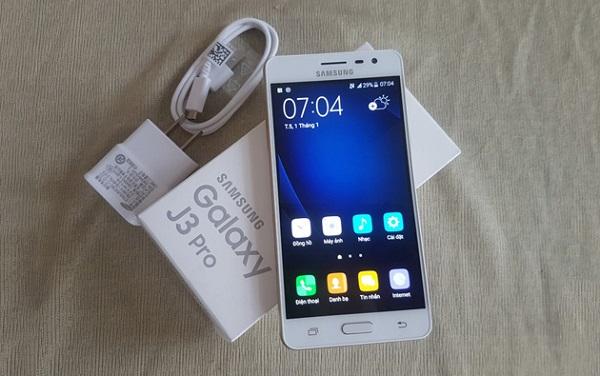 Hộp đựng Samsung Galaxy J3 Pro và phụ kiện kèm theo