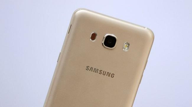 Samsung Galaxy J7 2016 hỗ trợ quay phim Full HD