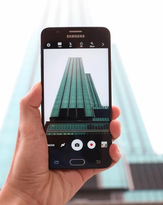 Giao diện chụp ảnh của Samsung Galaxy J7 Prime