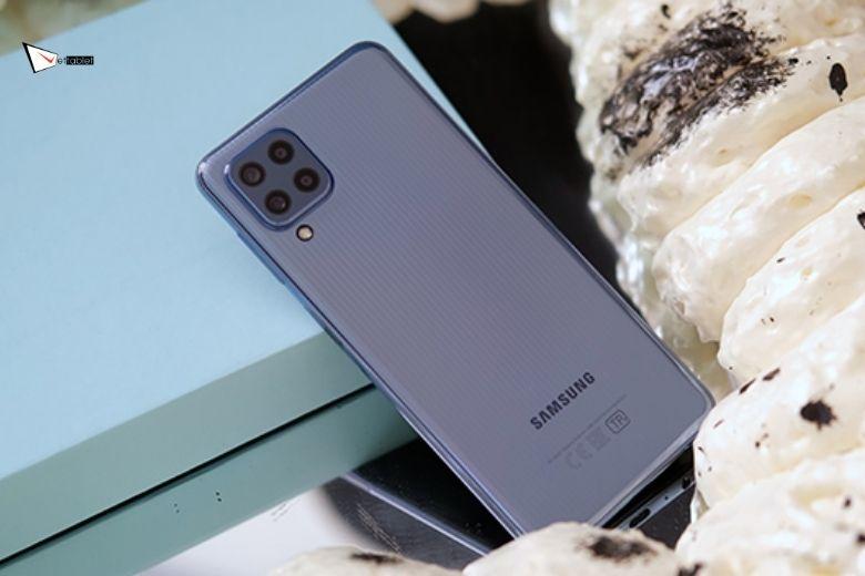 Đánh giá thiết kế Samsung Galaxy M32