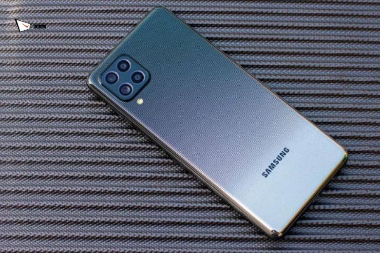 Samsung Galaxy M62 256GB thiết kế đặc sắc