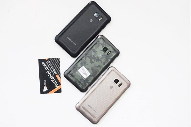 Samsung Galaxy S7 Active mặt lưng