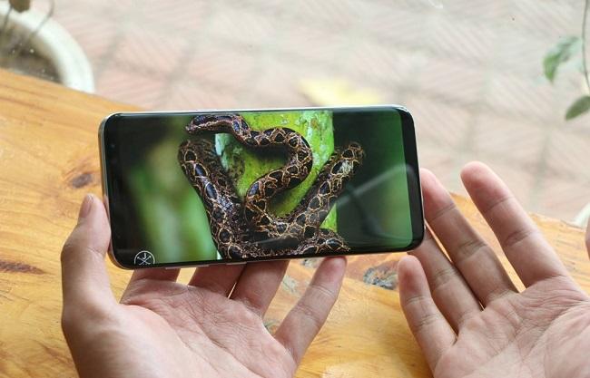Màn hình Samsung Galaxy S8 Plus cũ cán mức 2K