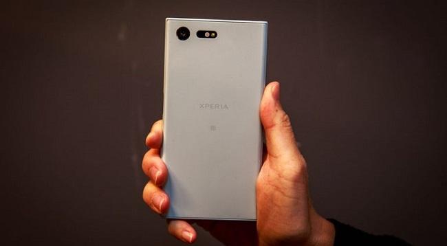 Sony Xperia X Compact có thiết kế khá vuông vắn