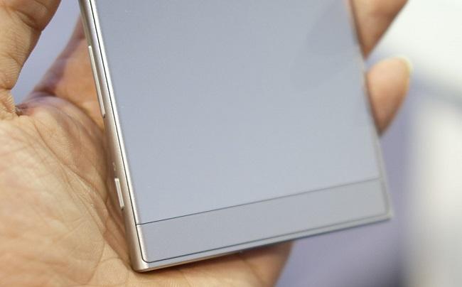 Sony Xperia XZ mặt lưng