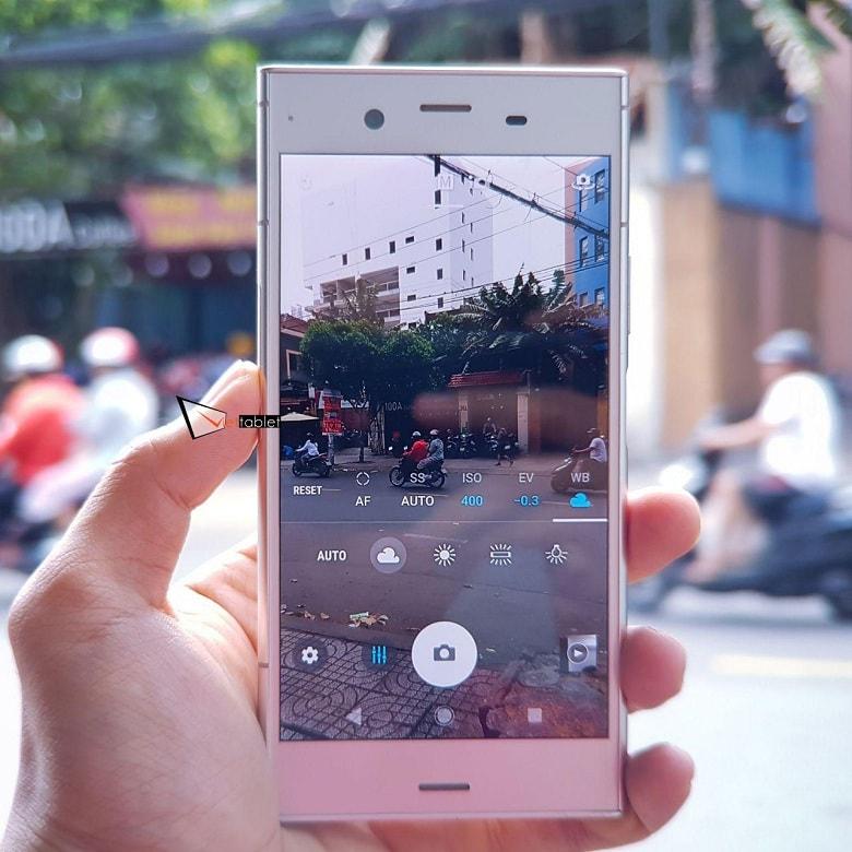 giao diện chụp ảnh của Sony Xperia XZ1