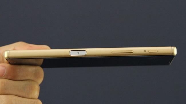 Sony Xperia Z5 Cũ có thiết kế khá nhỏ gọn